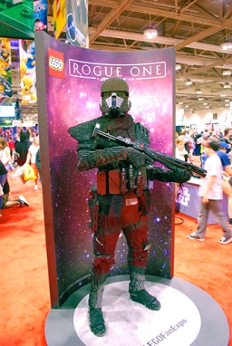 Rogue One brick statue