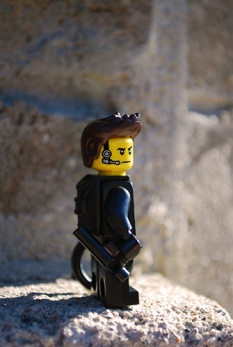 LEGO Minifigures Series 16 - The Spy unmasked