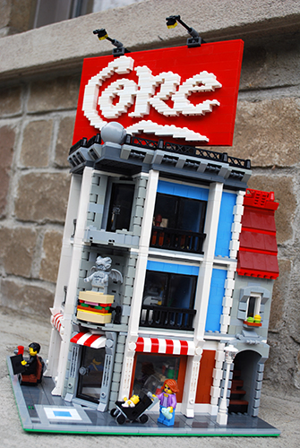 LOUISVILLE, Ky. (WKYT) - Lego has announced it will open its first Kentucky store in Louisville just in time for the holiday shopping season. The store will be located in the Oxmoor Center.
