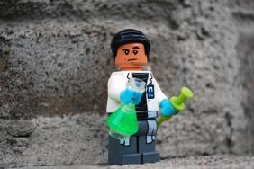 LEGO Jurassic World Dr. Wu Alternate Face
