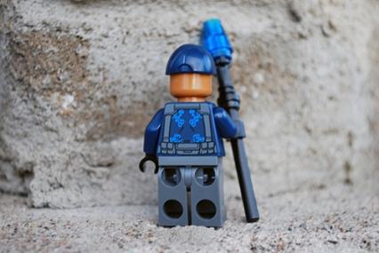 LEGO Jurassic World ACU Officer back