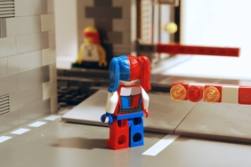 LEGO Harley Quinn, rear view.