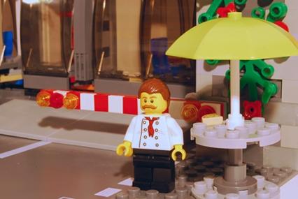 LEGO Pizza Van Chef - front view