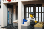 LEGO 60047 - Lower jail cell