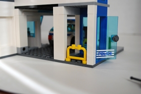 LEGO 60047 - Police station garage