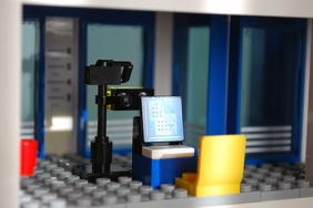 LEGO 60047 - Criminal booking room