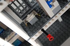 LEGO 60047 - Jail cell toilet trap door