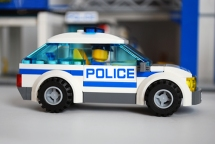LEGO 60047 police car side view.