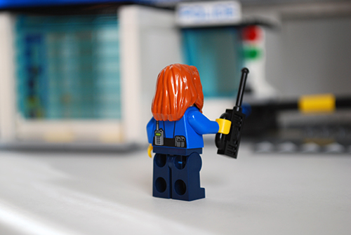 LEGO 60047 - Cop 2 rear view