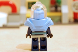 Mr. Freeze Ice Attack - Mr. Freeze armoured rear view