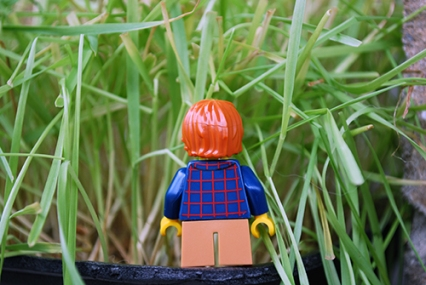 LEGO Easter Egg Hunt - Kid Minifig rear view