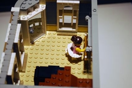LEGO Assembly Square (10255) dance studio.