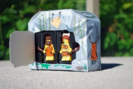 LEGO Caveman & Cavewoman packaging