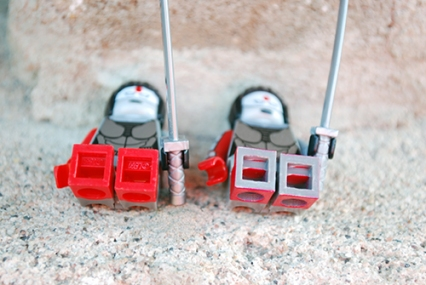 LEGO (left) and FLEGO (right) Katana - FLEGO version has painted on boots, and the bottoms are not painted.