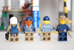 LEGO Mountain Police Headquarters - rear view of officers.