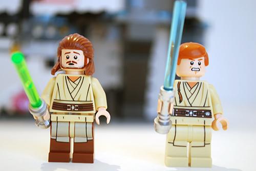 LEGO Qui-Gonn and Obi-Wan front views.