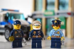 LEGO Bulldozer Break-in police front view.