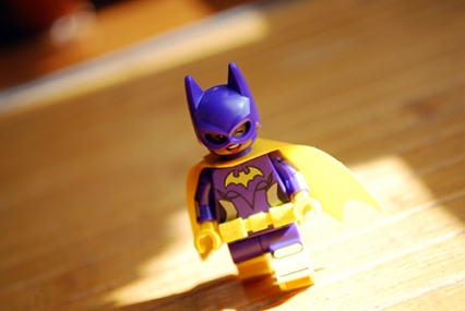 Front view of the exclusive Batgirl that comes with the LEGO Batman Movie.