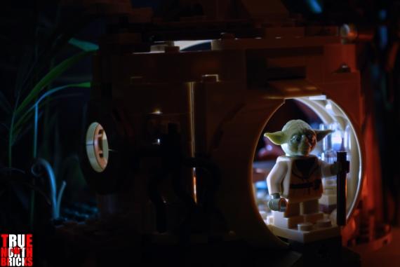 LEGO Yoda's Hut