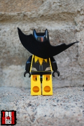 Rear view of Yellow Lantern Batman