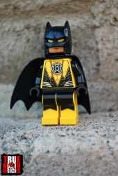 Alternate face of Yellow Lantern Batman