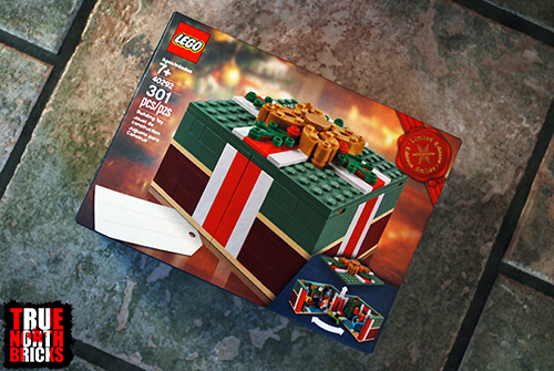 Review Buildable Holiday Present